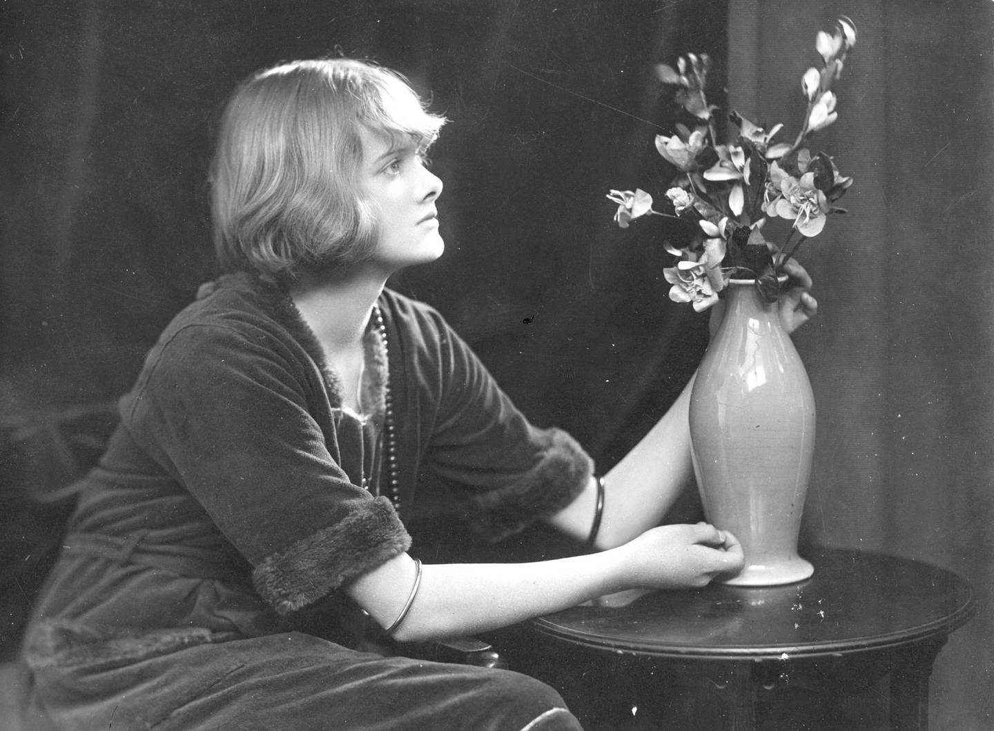 English novelist Dame Daphne du Maurier (1907 - 1989).   (Photo by Edward Gooch Collection/Getty Images)