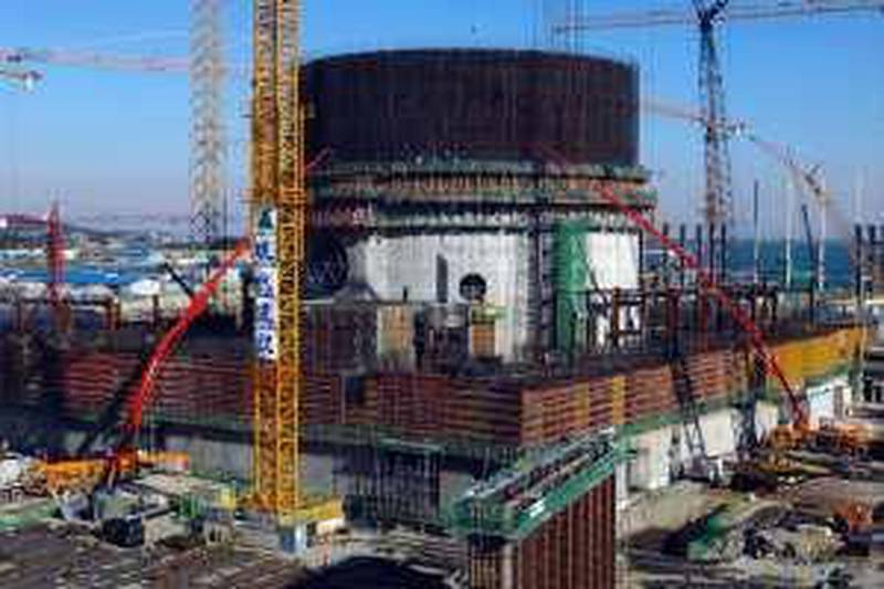 Uljin--Tuesday, 26, 2010óShin-Kori nuclear power plants of The Korea Hydro & Nuclear Power Co., which will be consturected in UAE, stand near the east sea shore at Uljin, Ulsan, South Korea on Tuesday, January 26, 2010.   The Korea Hydro & Nuclear Power Co., Ltd. is operating 20 nuclear power plants commercially at present and its total generation capacity is 17,716 MW of electricity. Photographer: Seokyong Lee/Penta Press  *** Local Caption ***  SL__SHINKORI_NUCLEAR_0001.JPG