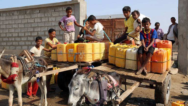 An image that illustrates this article Long-term projects halted in Yemen water crisis