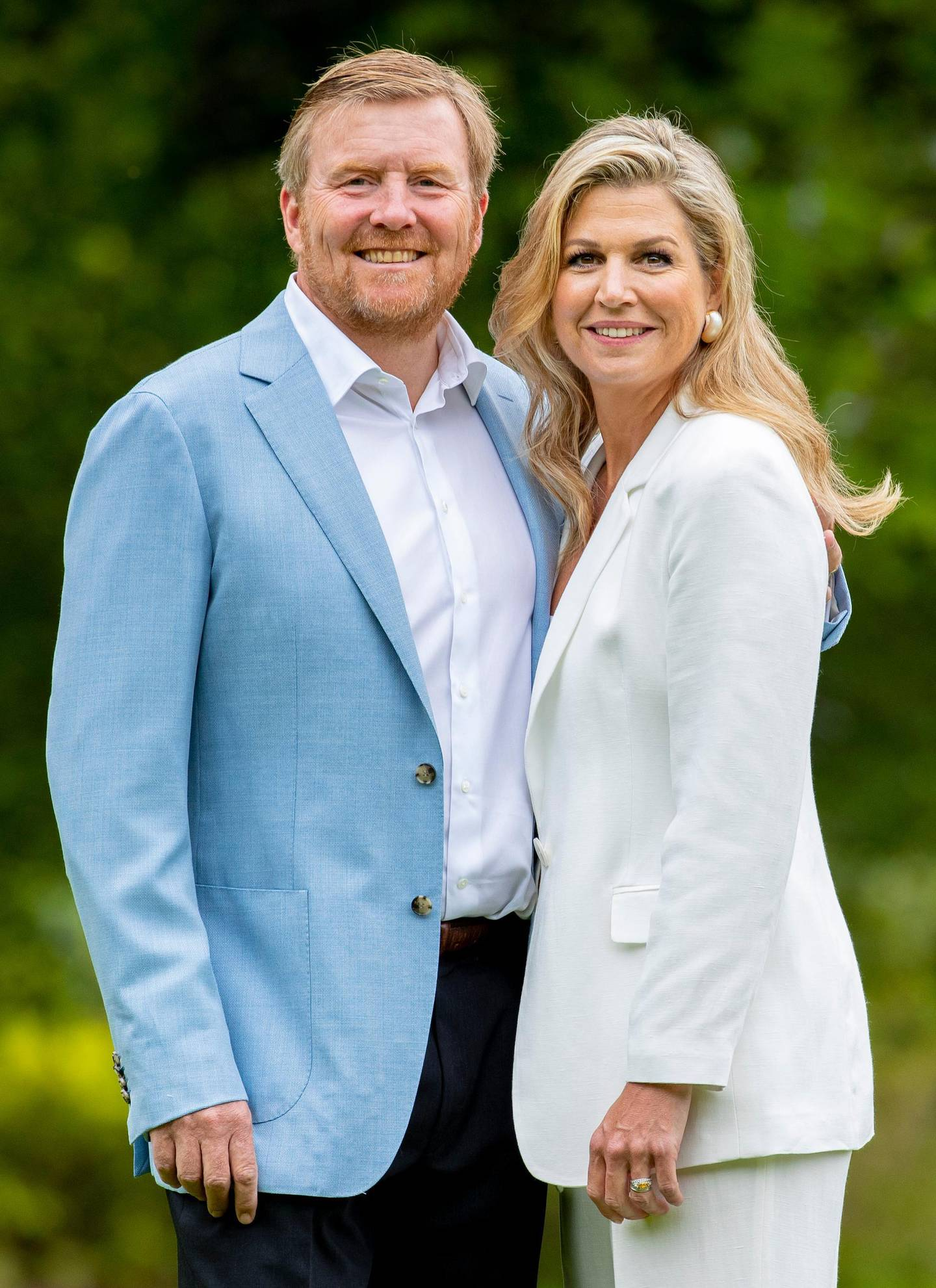 THE HAGUE, NETHERLANDS - JULY 17: King Willem-Alexander of The Netherlands and Queen Maxima of The Netherlands during the annual summer photocall at their residence Palace Huis ten Bosch on July 17, 2020 in The Hague, Netherlands. (Photo by Patrick van Katwijk/Getty Images)