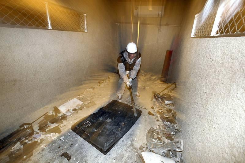 Dubai, United Arab Emirates - March 16th, 2018: Reporter Evelyn Lau. The Smash Room opens in Dubai. Friday, March 16th, 2018. Al Quoz, Dubai. Chris Whiteoak / The National