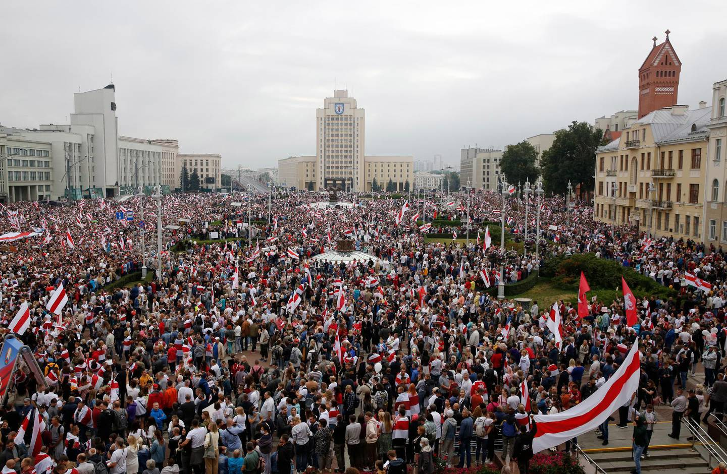 epa08619851 People attend a protest against the results of the presidential elections, in Minsk, Belarus 23 August 2020. Opposition in Belarus alleges poll-rigging and police violence at protests following election results claiming that president Lukashenko had won a landslide victory in the 09 August elections.  EPA/TATYANA ZENKOVICH