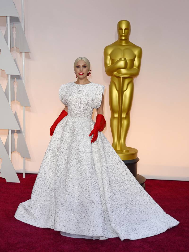 epa04634600 Lady Gaga arrives for the 87th annual Academy Awards ceremony at the Dolby Theatre in Hollywood, California, USA, 22 February 2015. The Oscars are presented for outstanding individual or collective efforts in 24 categories in filmmaking.  EPA/MIKE NELSON