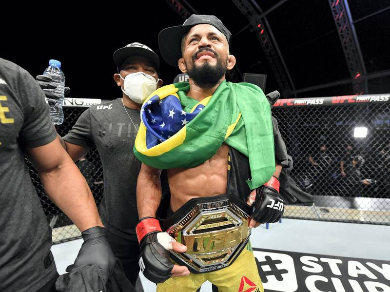 ABU DHABI, UNITED ARAB EMIRATES - JULY 19: Deiveson Figueiredo of Brazil celebrates after defeating Joseph Benavidez in their UFC flyweight championship bout during the UFC Fight Night event inside Flash Forum on UFC Fight Island on July 19, 2020 in Yas Island, Abu Dhabi, United Arab Emirates. (Photo by Jeff Bottari/Zuffa LLC via Getty Images)
