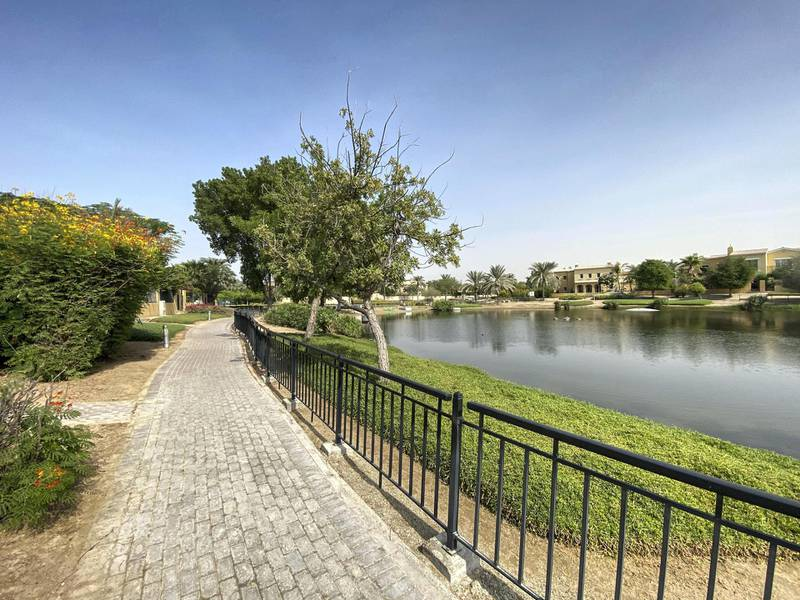 DUBAI UNITED ARAB EMIRATES. 17 NOVEMBER 2020.Community guide: Arabian Ranches. The man made lakes. (Photo: Antonie Robertson/The National) Journalist: Sarwat Nasir. Section: National.