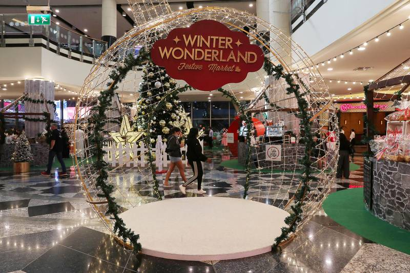 DUBAI , UNITED ARAB EMIRATES , November 26 – Christmas decoration around the Winter Wonderland Festive Market at Mall of the Emirates in Dubai. ( Pawan Singh / The National ) For News/Online/Standalone/Instagram/Big Picture