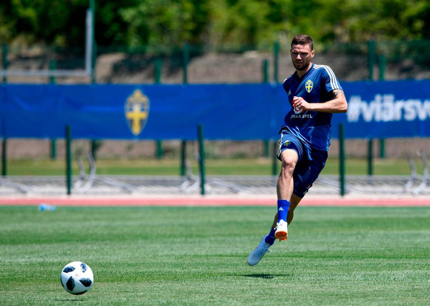 Sweden's forward Marcus Berg attends a training session on June 14, 2018 at Spartak stadium in Gelendzhik, ahead of the Russia 2018 World Cup football tournament.  / AFP / Jonathan NACKSTRAND