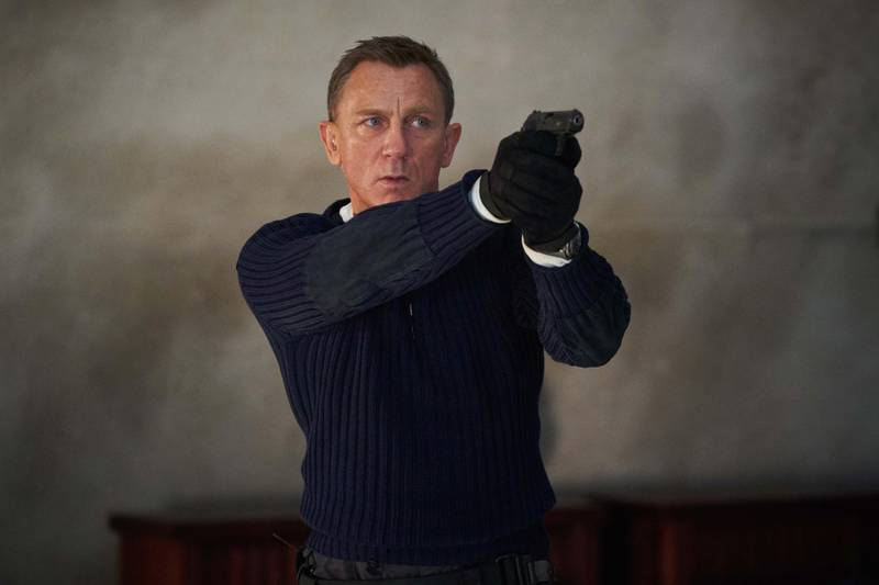 B25_25594_RJames Bond (Daniel Craig) prepares to shoot in NO TIME TO DIE. Phoot by Nicola Dovean EON Productions and Metro Goldwyn Mayer Studios filmCredit: Nicola Dove© 2020 DANJAQ, LLC AND MGM.  ALL RIGHTS RESERVED.