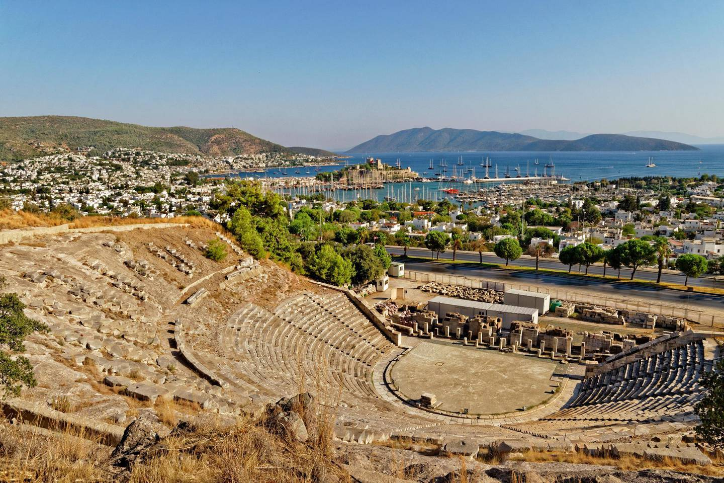 KD67CB St. Peter's Castle at Bodrum, Mugla Province, Turkey, from the amphitheatre. Roy Conchie / Alamy Stock Photo