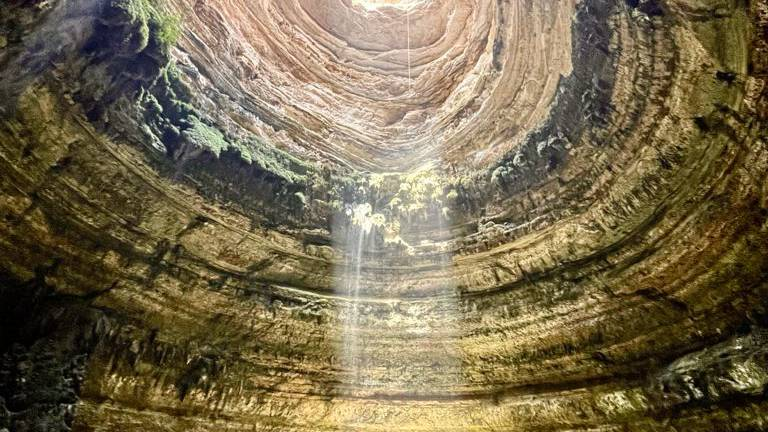 An image that illustrates this article Omani cave team discover what lurks in Yemen's 'Well of Hell'