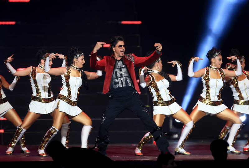 ABU DHABI - UNITED ARAB EMIRATES - 15APR2014 - Shahrukh Khan performing during an Gala dinner on the opening season of IPL 2014 yesterday at Emirates Palace hotel in Abu Dhabi. Ravindranath K / The National