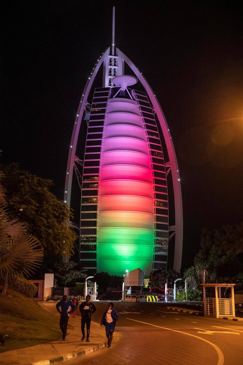 DUBAI UNITED ARAB EMIRATES. 18 NOVEMBER 2020. The Burj Al Arab lit up for the 50th Oman National Day celebrations (Photo: Antonie Robertson/The National) Journalist: Standalone. Section: National.