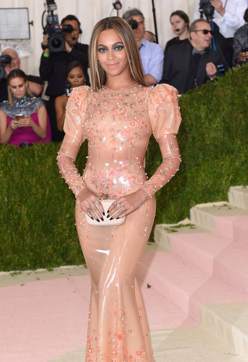"""NEW YORK, NY - MAY 02:  Beyonce arrives for the """"Manus x Machina: Fashion In An Age Of Technology"""" Costume Institute Gala at Metropolitan Museum of Art on May 2, 2016 in New York City.  (Photo by Karwai Tang/WireImage/Getty Images)"""