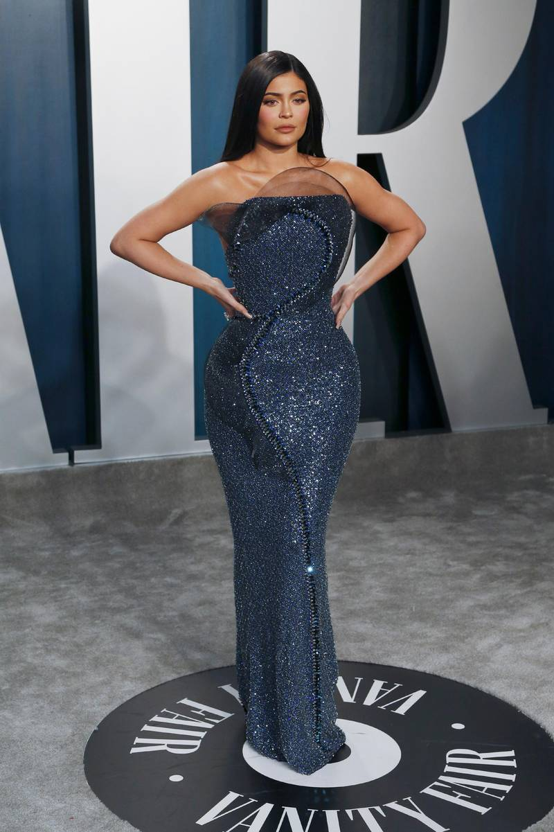 epa08208275 Kylie Jenner attends the 2020 Vanity Fair Oscar Party following the 92nd annual Academy Awards ceremony, in Beverly Hills, California, USA, 09 February 2020. The Oscars are presented for outstanding individual or collective efforts in filmmaking in 24 categories.  EPA-EFE/RINGO CHIU