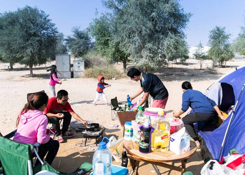 DUBAI, UNITED ARAB EMIRATES. 2 DECEMBER 2019. Sanchez and Calimag family spend UAE's National Day holiday on Al Qudra lake.(Photo: Reem Mohammed/The National)Reporter:Section: