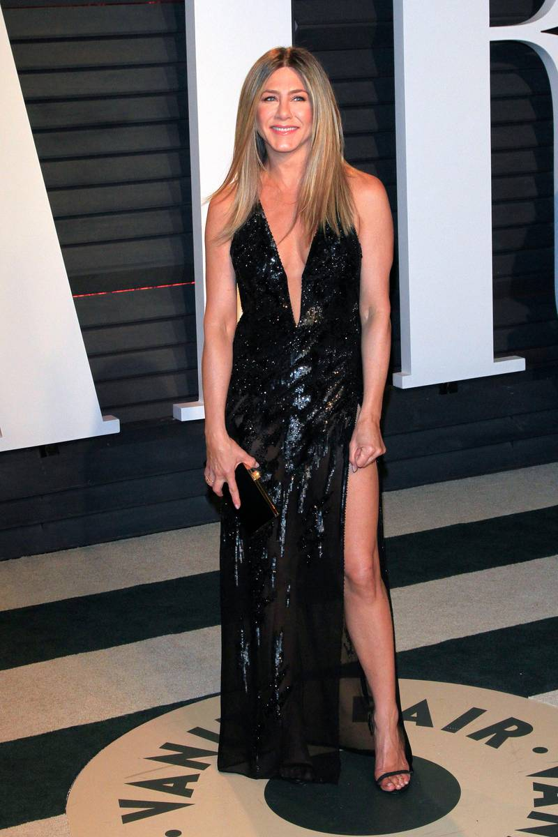 epa05818162 Jennifer Aniston arrives for the 2017 Vanity Fair Oscar Party following the 89th annual Academy Awards ceremony in Beverly Hills, California, USA, 26 February 2017. The Oscars are presented for outstanding individual or collective efforts in 24 categories in filmmaking.  EPA/NINA PROMMER