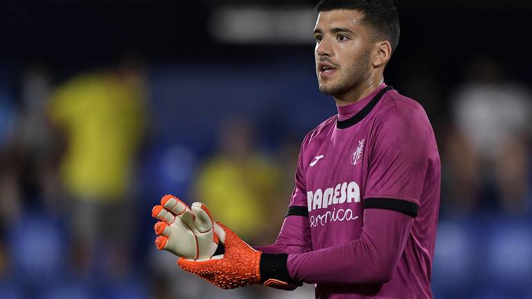 An image that illustrates this article Villarreal's Rulli on surreal Europa League final and his bond with De Gea
