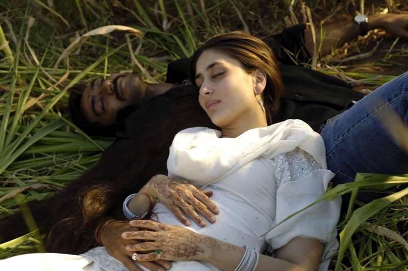 Mandatory Credit: Photo by Shutterstock (605078a) 'Omkara' - Ajay Devgan (Omi) and Kareena Kapoor (Dolly) 'Omkara' film - 2006