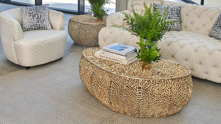 An image that illustrates this article How to choose the perfect coffee table for your home