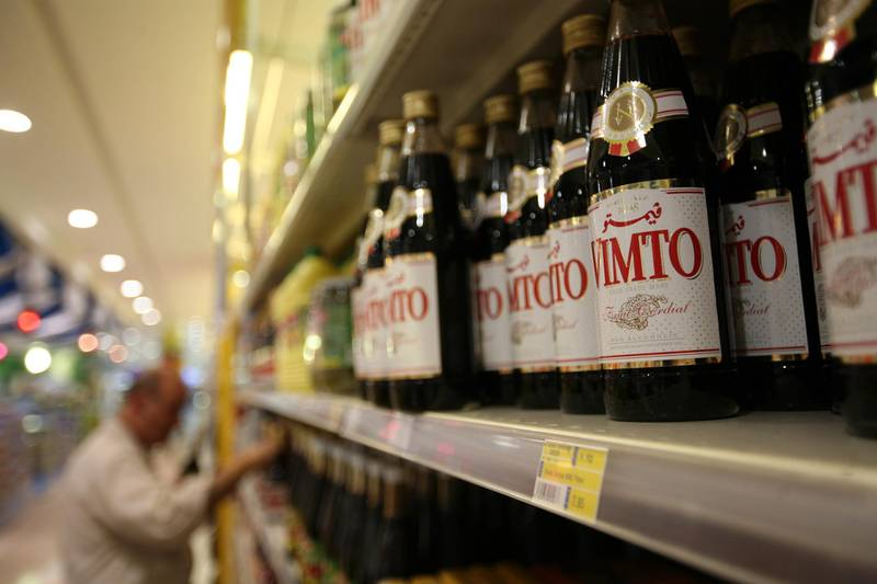August 31, 2009 / Abu Dhabi / (Rich-Joseph Facun / The National) A photograph of Vimto shot at Lulu Hypermarket in Al Wahda Mall, Monday, August 31, 2009 in Abu Dhabi. Retailers such as Vitmo and Tang are expecting a growth in seasonal sales this year but not as large as last year.  *** Local Caption ***  rjf-0831-RAMADANfoodSALES002.jpg