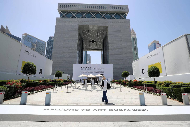 Dubai, United Arab Emirates - Reporter: Alexandra Chaves. Arts and Lifestyle. Art Dubai 2021 opens at the DIFC. Tuesday, March 30th, 2021. Dubai. Chris Whiteoak / The National