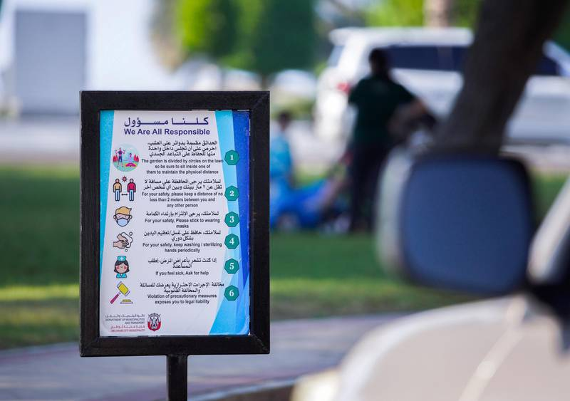Abu Dhabi, United Arab Emirates, November 2, 2020.   Covid-19 precautionary signs along the Corniche.Victor Besa/The NationalSection:  NAFor:  Standalone/Stock/Weather
