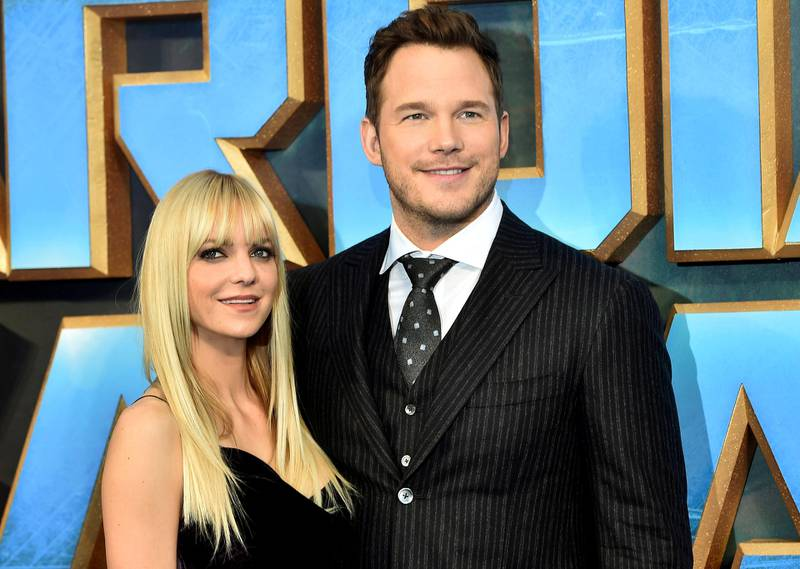 """FILE PHOTO Chris Pratt (R) poses with his wife Anna Faris as they attend a premiere of the film """"Guardians of the galaxy, Vol. 2"""" in London April 24, 2017. REUTERS/Hannah McKay/File Photo"""