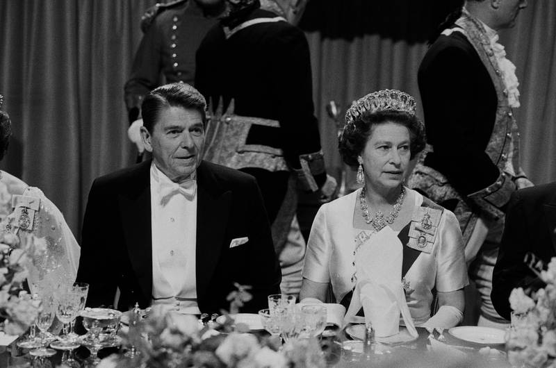 American politician Ronald Reagan (1911 - 2004), 40th President of the United States, and the Queen of the United Kingdom Elizabeth II at a gala dinner at Windsor Castle, UK, 9th June 1982. (Photo by McCarthy/Daily Express/Hulton Archive/Getty Images)