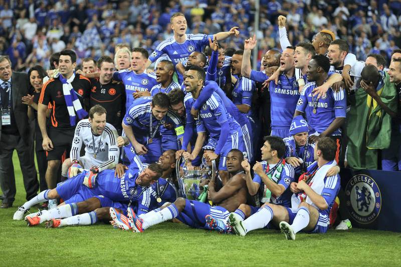 MUNICH, GERMANY - MAY 19:  Chelsea players celebrate with the trophy after their victory in the UEFA Champions League Final between FC Bayern Muenchen and Chelsea at the Fussball Arena München on May 19, 2012 in Munich, Germany.  (Photo by Alex Livesey/Getty Images)