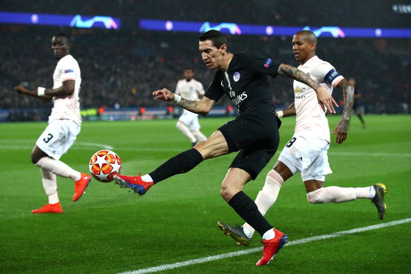 PARIS, FRANCE - MARCH 06: Angel Di Maria of PSG crosses the ball  during the UEFA Champions League Round of 16 Second Leg match between Paris Saint-Germain and Manchester United at Parc des Princes on March 06, 2019 in Paris, . (Photo by Julian Finney/Getty Images)