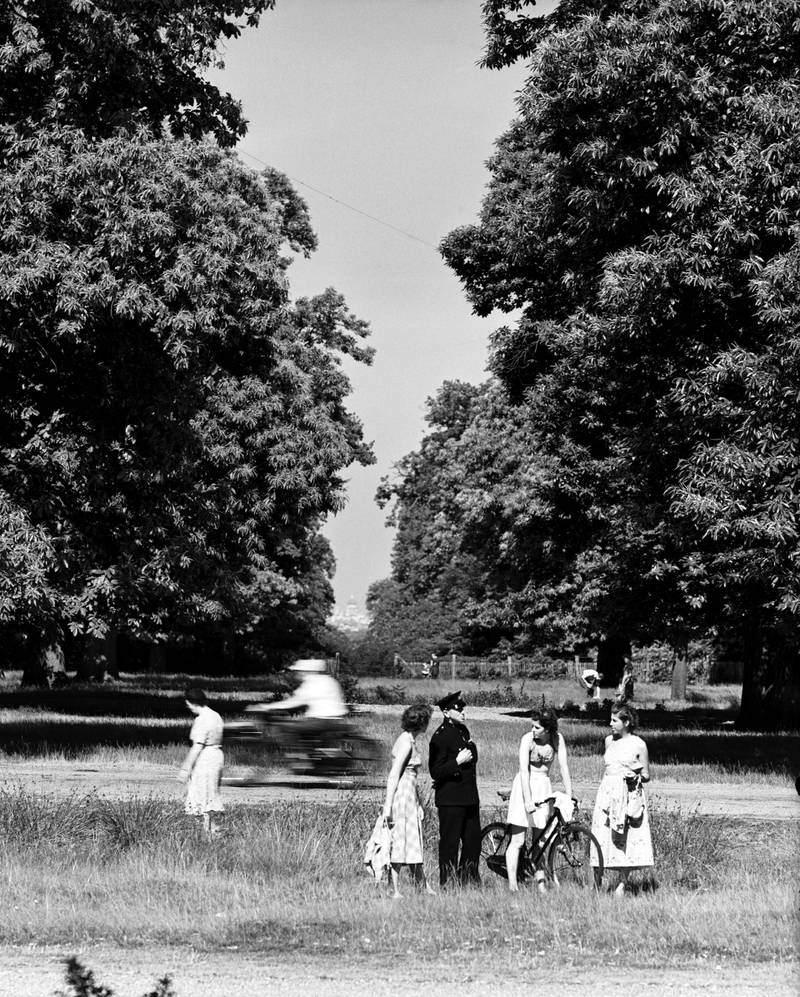 View of St Paul's Cathedral from King Henry's Mound, Richmond Park, Richmond, Greater London, 2nd July 1952. (Photo by Staff/Mirrorpix/Getty Images)