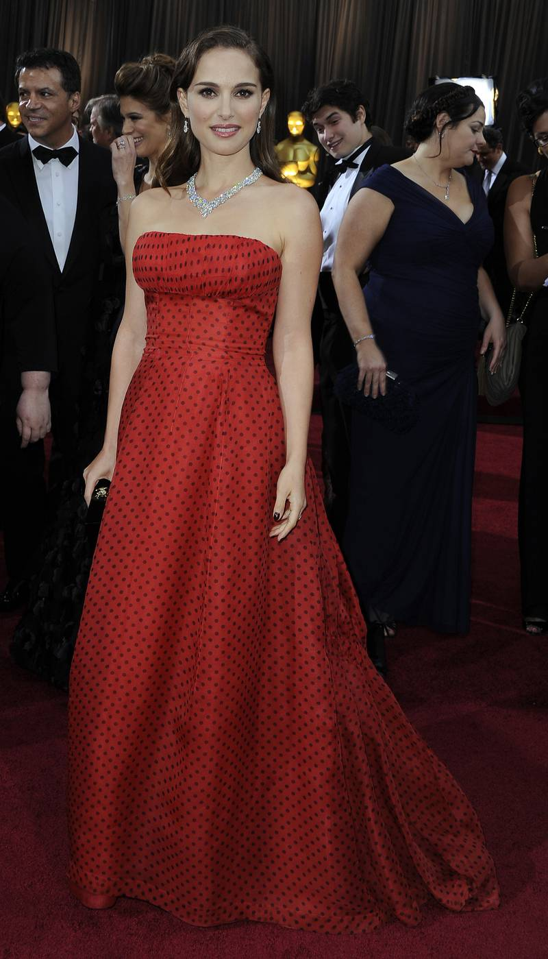 epa03123686 Israeli actress Natalie Portman arrives for the 84th annual Academy Awards at the Hollywood and Highland Center in Hollywood, California, USA, 26 February 2012. The Oscars are presented for outstanding individual or collective efforts in up to 24 categories in filmmaking.  EPA/PAUL BUCK