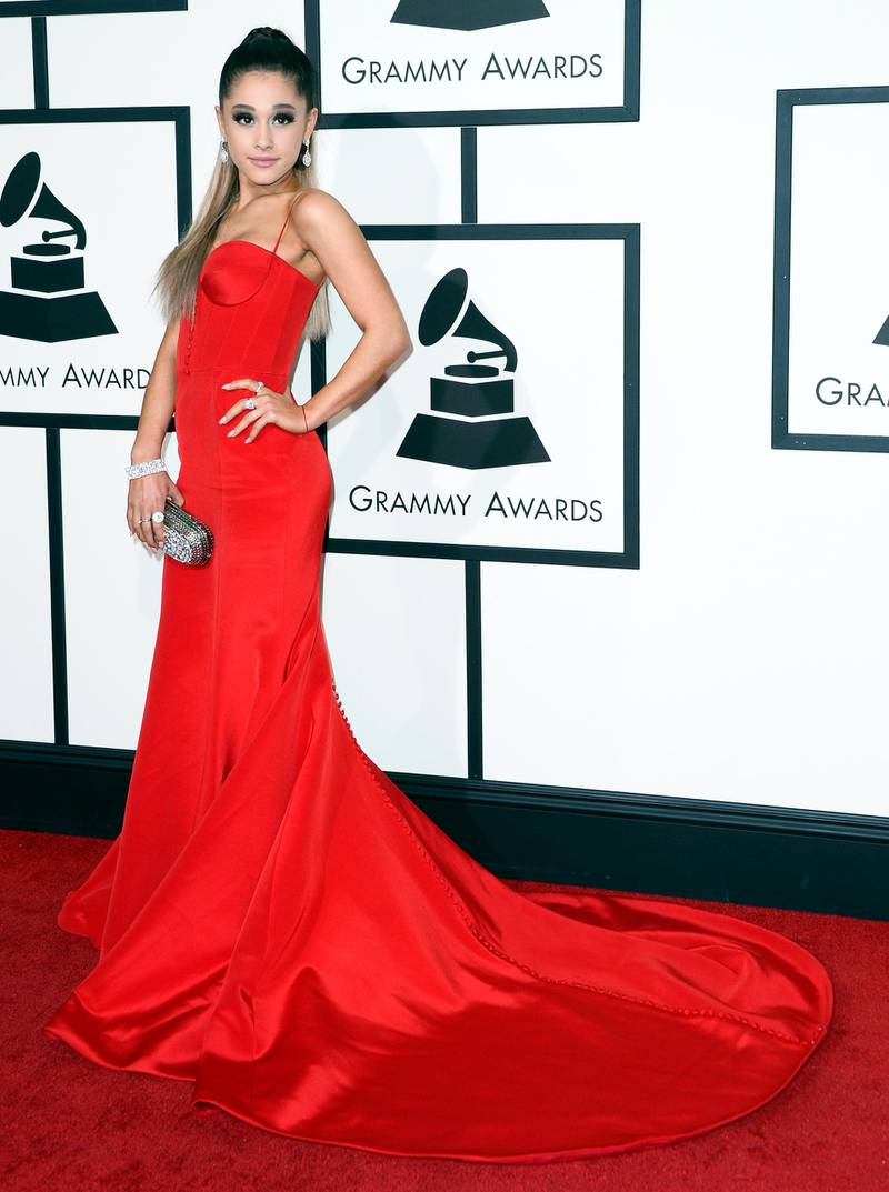 epa05163722 Ariana Grande arrives for the 58th annual Grammy Awards held at the Staples Center in Los Angeles, California, USA, 15 February 2016.  EPA/PAUL BUCK