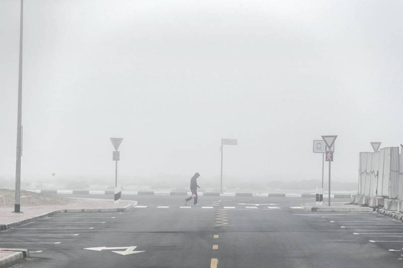 DUBAI, UNITED ARAB EMIRATES. 19 JANUARY 2021. Dense fog greeted morning commuters and residents of Dubai as they head out to start the day. (Photo: Antonie Robertson/The National) Journalist: STANDALONE. Section: National.