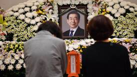 Mourning for Seoul mayor Park Won-soon mixed with questions over his death