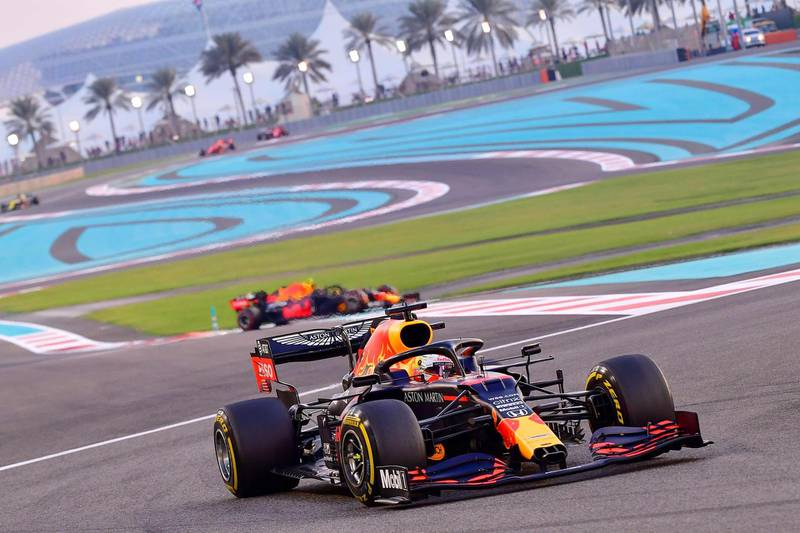 Red Bull's Dutch driver Max Verstappen leads the pack during the Abu Dhabi Formula One Grand Prix at the Yas Marina Circuit in the Emirati city of Abu Dhabi on December 13, 2020.  / AFP / POOL / Giuseppe CACACE