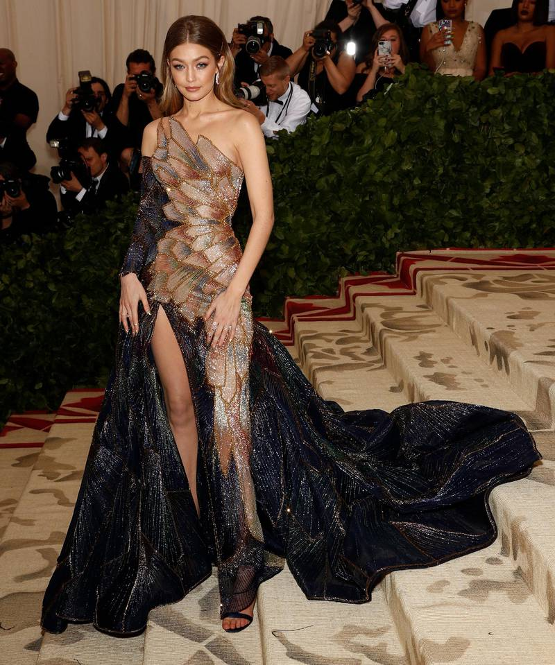 epa06718186 Gigi Hadid arrives on the red carpet for the Metropolitan Museum of Art Costume Institute's benefit celebrating the opening of the exhibit 'Heavenly Bodies: Fashion and the Catholic Imagination' in New York, New York, USA, 07 May 2018. The exhibit will be on view at the Metropolitan Museum of Art's Costume Institute from 10 May to 08 October 2018.  EPA-EFE/JUSTIN LANE