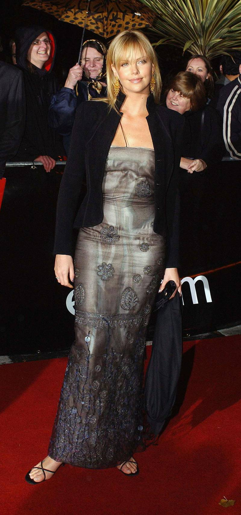 DUBLIN, IRELAND - NOVEMBER 1:  South African actress Charlize Theron attends the Irish Film and Television Awards at the Burlington Hotel on November 1, 2003 in Dublin, Ireland.  (Photo by ShowBizIreland/Getty Images)