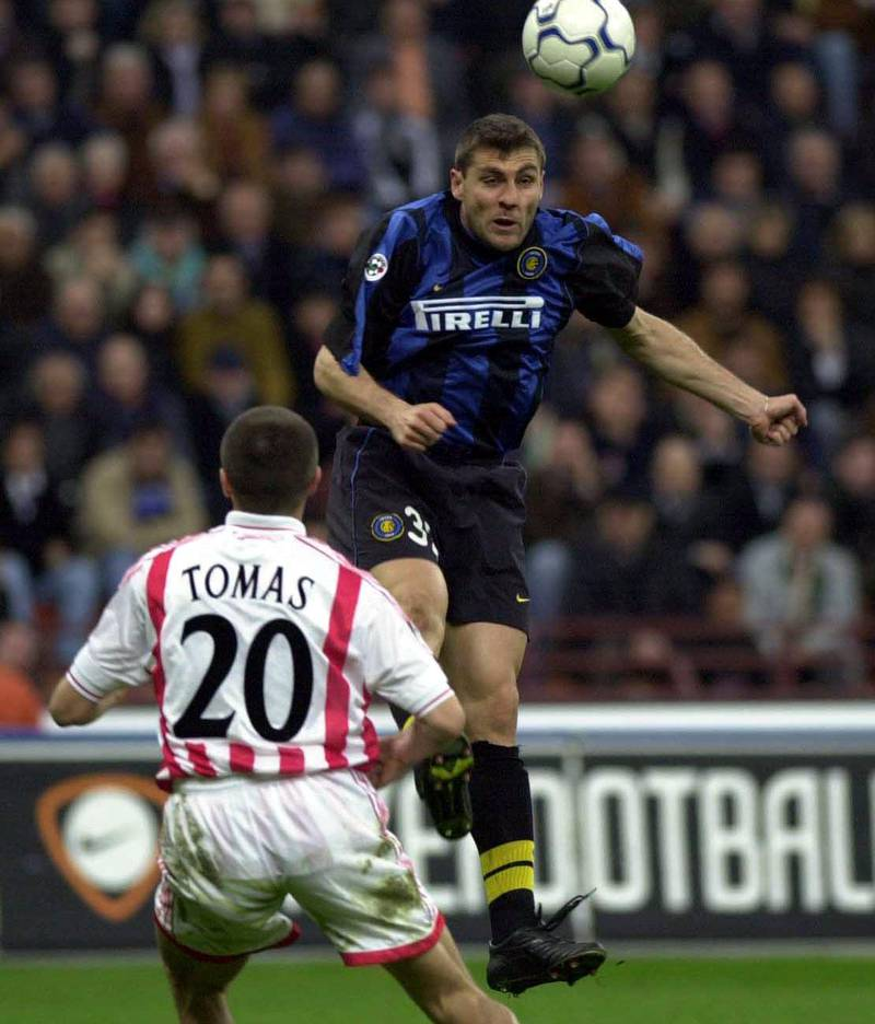 08 Apr 2001: Stjepan Thomas of Vicenza and Christian Vieri of Inter Milan in action  during the Serie A 25th  Round League match between Inter Milan and Vicenza played at the San Siro Stadium Milan. DIGITAL CAMERA Mandatory Credit: Grazia Neri/ALLSPORT