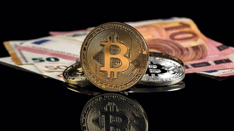 An image that illustrates this article More countries seek to develop digital currencies