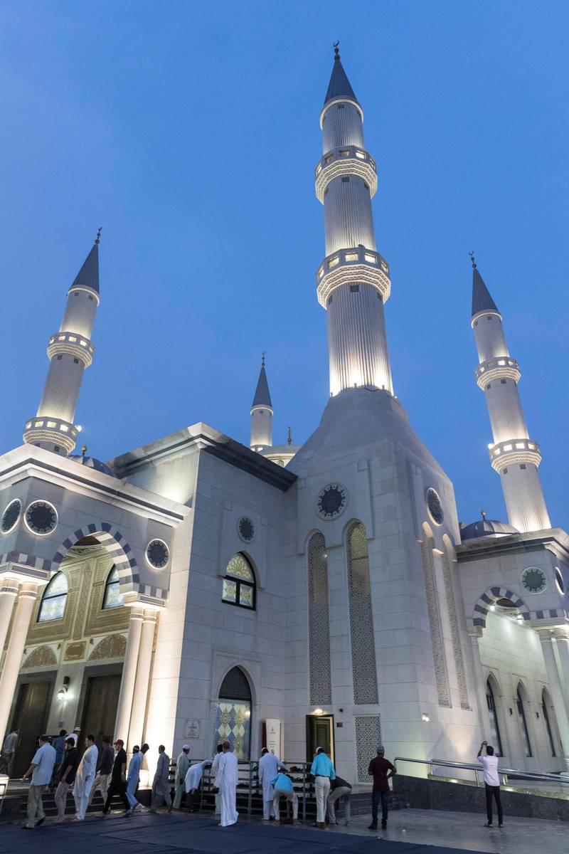 DUBAI, UNITED ARAB EMIRATES. 01 September 2017. Eid Al Adha morning prayers at the Al Farooq Omar bin Al Kahttab Mosque in Al Safa. (Photo: Antonie Robertson/The National) Journalist: None. Section: National.