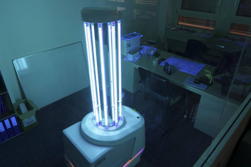 epa08445193 A UVD hygiene robot disinfects an office room with UV light in the company Curmed in Ostermundigen, Switzerland, 25 May 2020 (issued 26 May 2020).  EPA/ADRIAN REUSSER