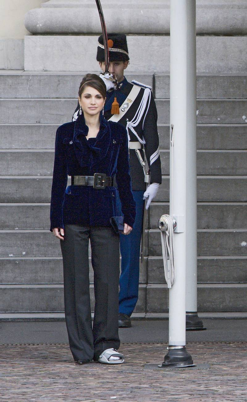 THE HAGUE, NETHERLANDS - OCTOBER 30: Queen Rania of Jordan listens to the national anthems at the Noordeinde Palace on October 30 2006 in The Hague, Netherlands.Prince Abdullah II and Queen Rania of Jordan are on a three-day visit to the Netherlands. (Photo by Michel Porro/Getty Images)