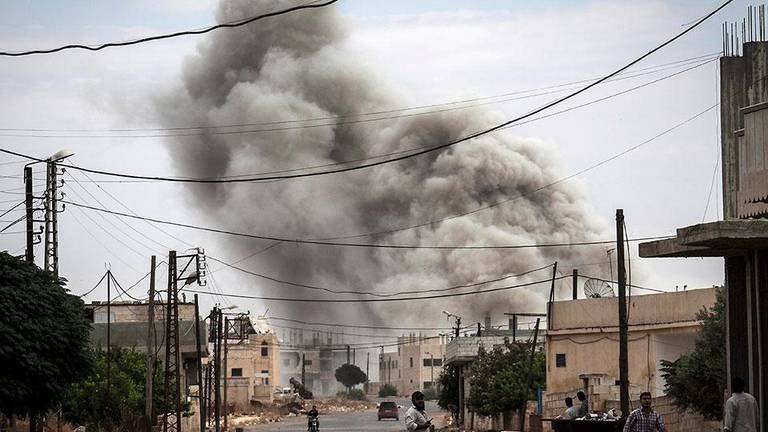 An image that illustrates this article Syria air strikes threaten to overwhelm Idlib hospitals
