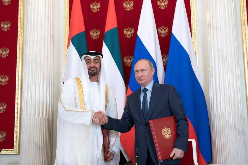 MOSCOW, RUSSIA - June 01, 2018: HH Sheikh Mohamed bin Zayed Al Nahyan, Crown Prince of Abu Dhabi and Deputy Supreme Commander of the UAE Armed Forces (L) and  HE Vladimir Putin Vladimirovich, President of Russia (R), stand for a photograph after the signing of a memorandum of understanding, at the Kremlin Palace.  ( Mohamed Al Hammadi / Crown Prince Court - Abu Dhabi ) ---