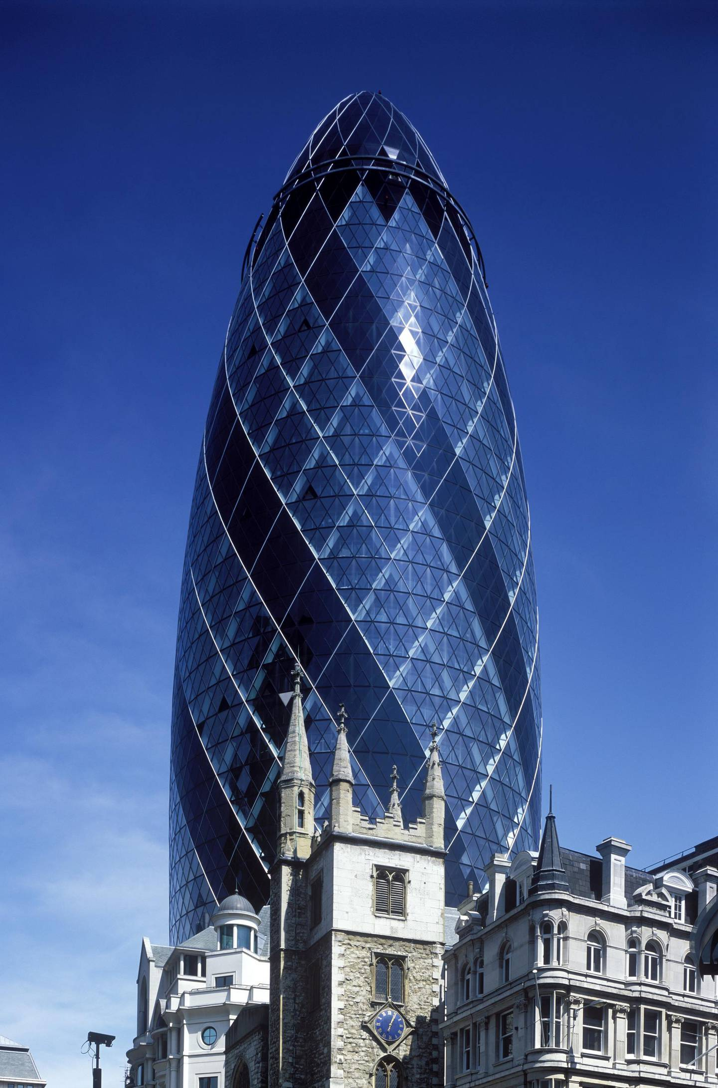 Swiss R.E. building, the Gherkin, London,  England. (Photo by: Dukas/Universal Images Group via Getty Images)
