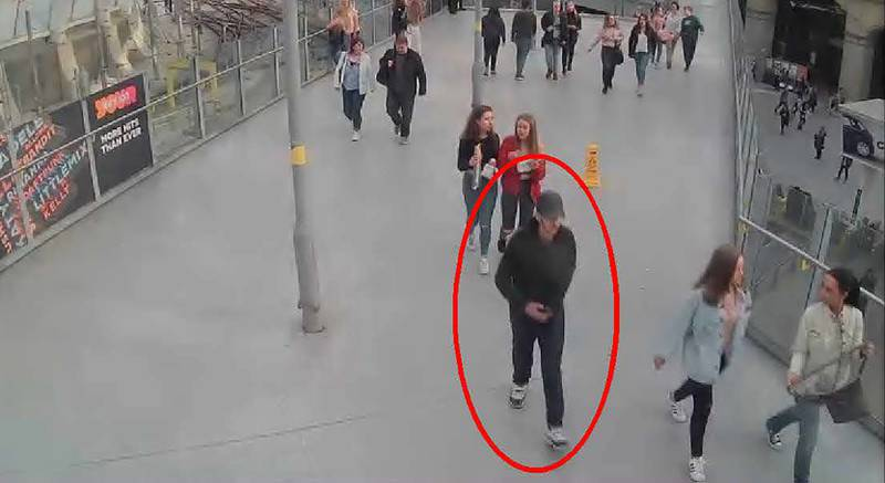 """A handout photo released by the Manchester Arena Inquiry in Manchester, northern England on September 8, 2020, shows suicide bomber Salman Abedi walking from Vitoria Station towards the Manchester Arena on May 22, 2017. A public inquiry into the May 22, 2017 suicide attack at the Manchester Arena, killing 22 people attending an Ariana Grande concert, by 22 year old Salman Abedi, started this week in Manchester. - RESTRICTED TO EDITORIAL USE - MANDATORY CREDIT """"AFP PHOTO / Manchester Arena Inquiry """" - NO MARKETING - NO ADVERTISING CAMPAIGNS - DISTRIBUTED AS A SERVICE TO CLIENTS  / AFP / Manchester Arena Inquiry  / - / RESTRICTED TO EDITORIAL USE - MANDATORY CREDIT """"AFP PHOTO / Manchester Arena Inquiry """" - NO MARKETING - NO ADVERTISING CAMPAIGNS - DISTRIBUTED AS A SERVICE TO CLIENTS"""