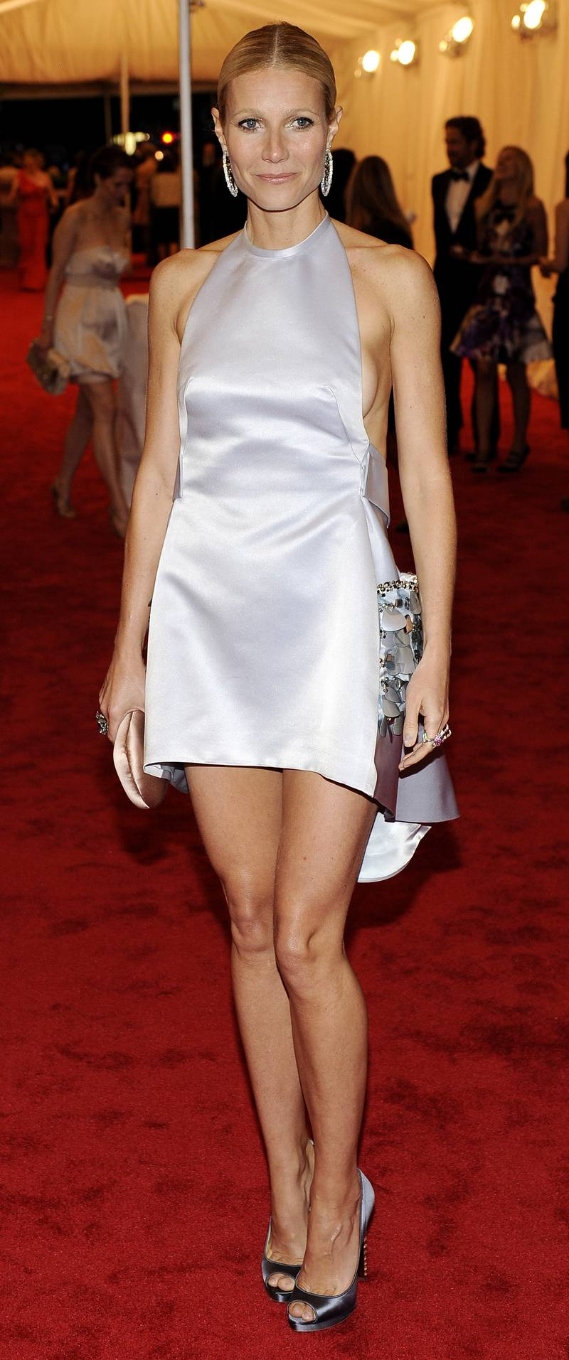 epa03210095 US actress Gwyneth Paltrow arrives for the Metropolitan Museum of Art's 2012 Costume Institute Gala benefit at the Metropolitan Museum of Art in New York, New York, USA, 07 May 2012.  EPA/JUSTIN LANE