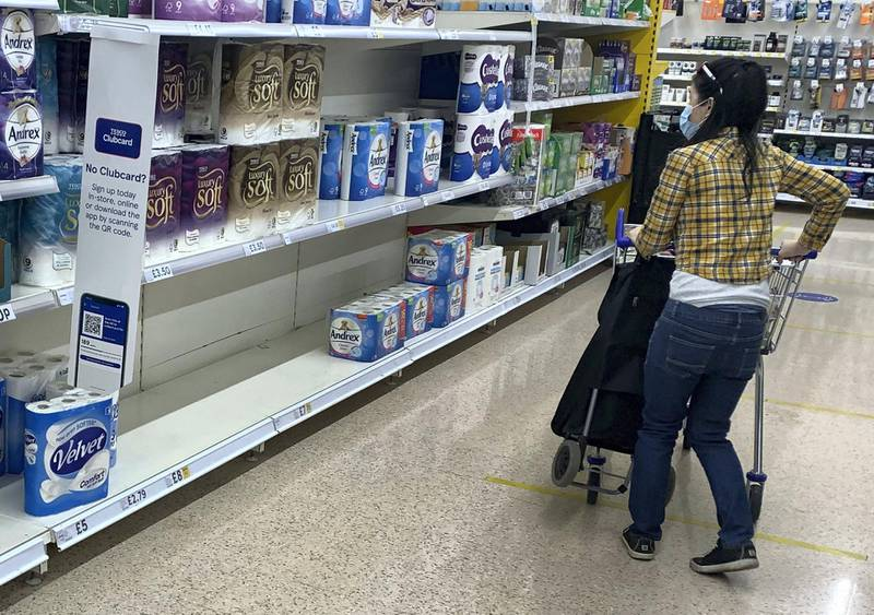 LONDON. 22nd September 2020 . Half empty shelves in a Tesco supermarket in the Old Kent Road in London as the UK announces new  Coronavirus lockdown restrictions . Stephen Lock for the National