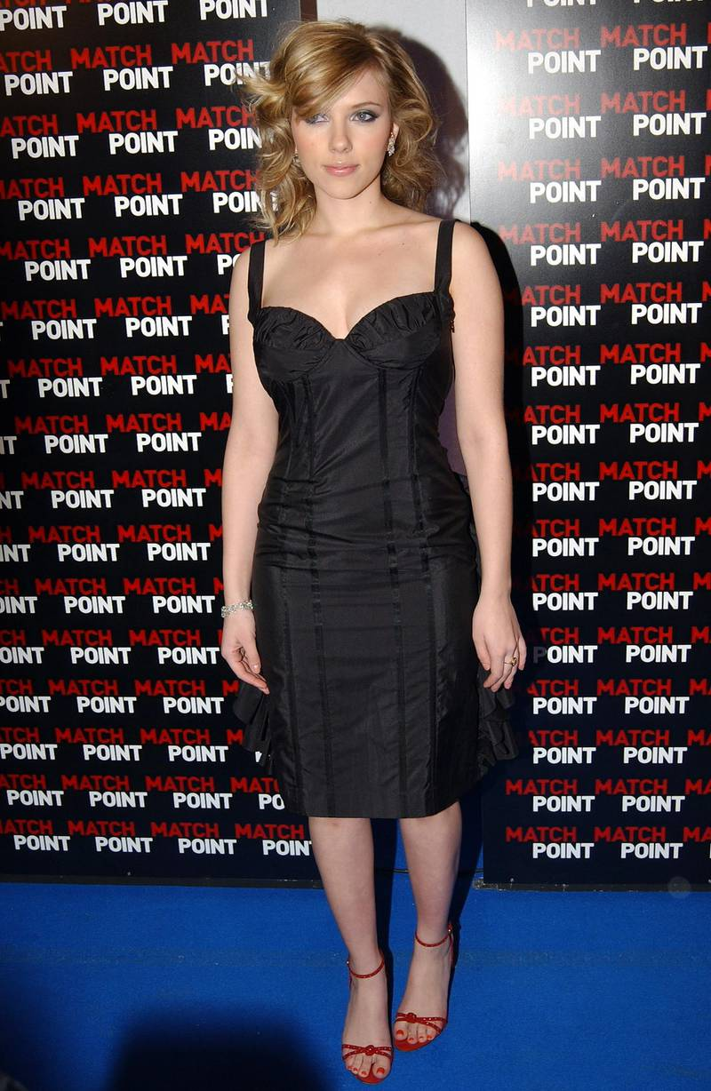 """ROME - DECEMBER 20:  Actress Scarlett Johansson attends the premiere of Woody Allen's new film """"Match Point"""" at the Embassy Cinema on December 20, 2005 in Rome, Italy.  (Photo by Franco Origlia/Getty Images)"""